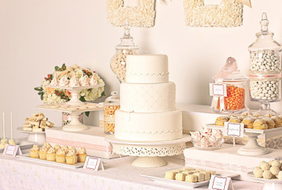 white-wedding-cake-dessert-buffet